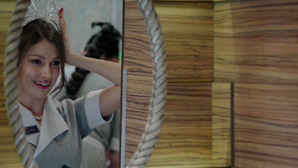 ¡Natalia rompe una corona valorada en un millón de euros!
