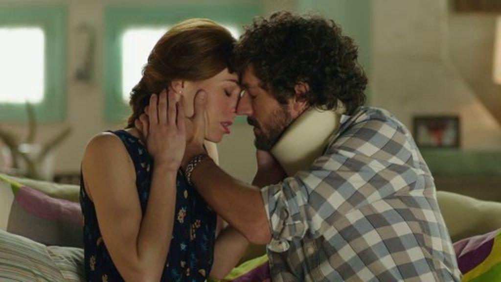 Chimo convence a Laura dejando a Vicente de mentiroso