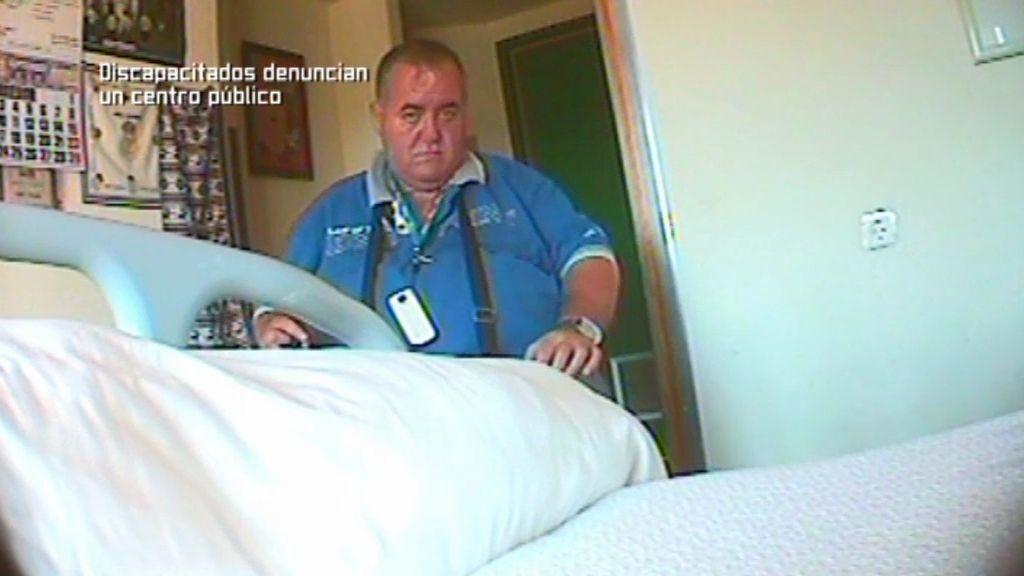 Denunciamos a las enfermeras que no duchan a los inválidos por ser festivo