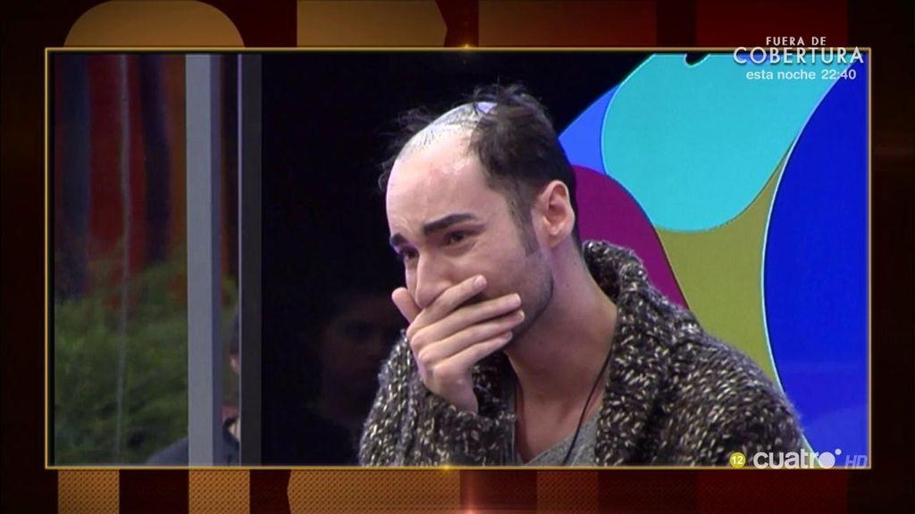 Miguel de 'GH' llora de la emoción al ver la peluca de Donald Trump