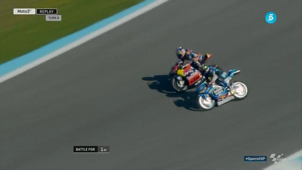 ¡Binder, de salir último a ganar la carrera en Jerez! ¡Vaya espectáculo de Moto3!