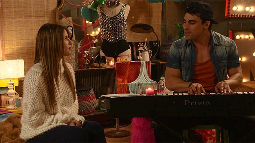 Lana no quiere renunciar a cantar con André