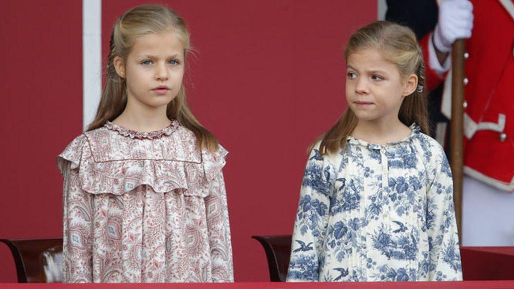 La princesa de Asturias y la Infanta Sofía, protagonistas del desfile de las Fuerzas Armadas