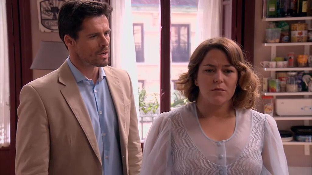 El sueño de Lucía: Carlos deja a Rebeca y le pide a ella que se case con él