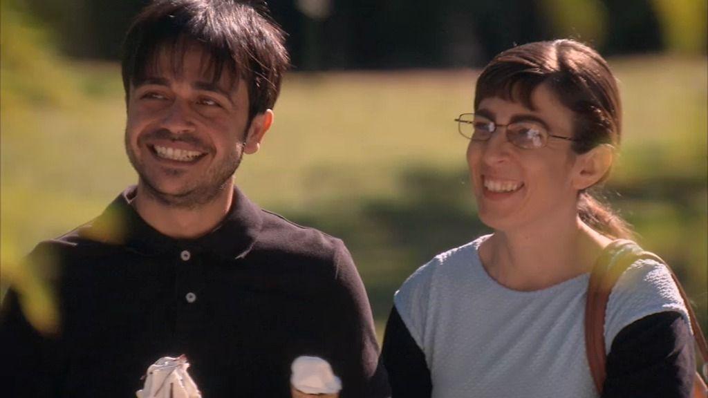 Eli cambia a Raúl por un chico corriente que conoció en el otorrino...
