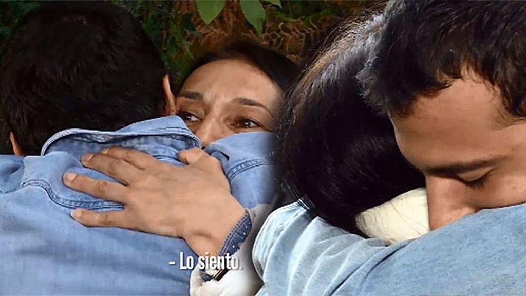 """Alberto, entre lágrimas, a su madre: """"Lo siento, te quiero mucho"""""""