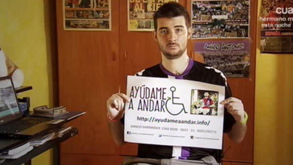 Antonio, hincha del Valladolid, en silla de ruedas tras caer celebrando el ascenso