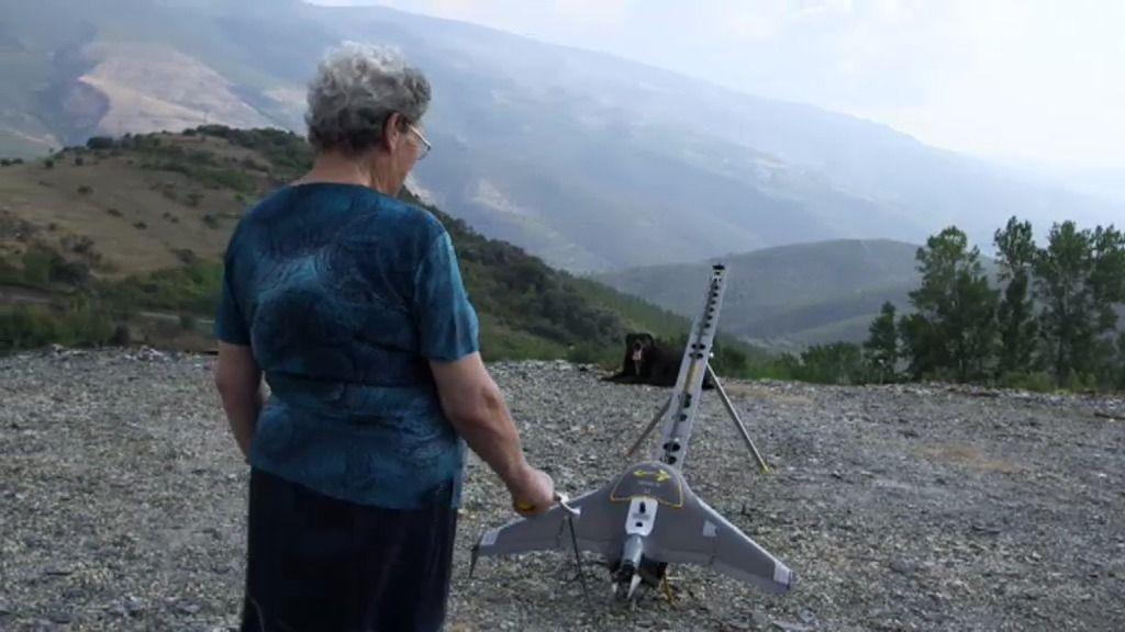 El dron sobrevuela las huertas de los vecinos y decide cuál es la mejor del pueblo