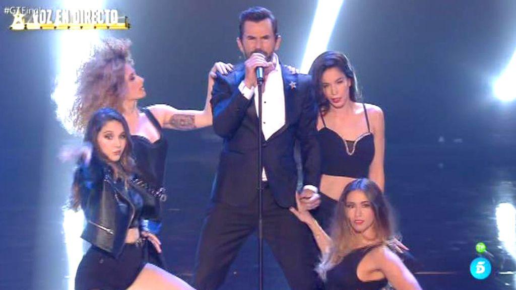 La sorpresa de la gala final de 'Got Talent': ¡Santi Millán cantando en directo!