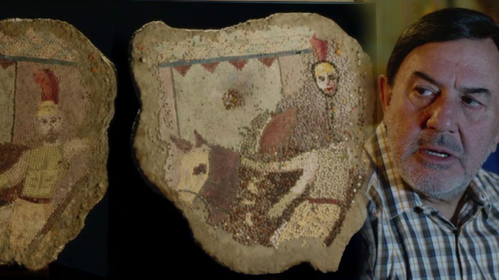 El 'Ecce-homo' de Pepe Leal con el mosaico de Aníbal 'el grande'