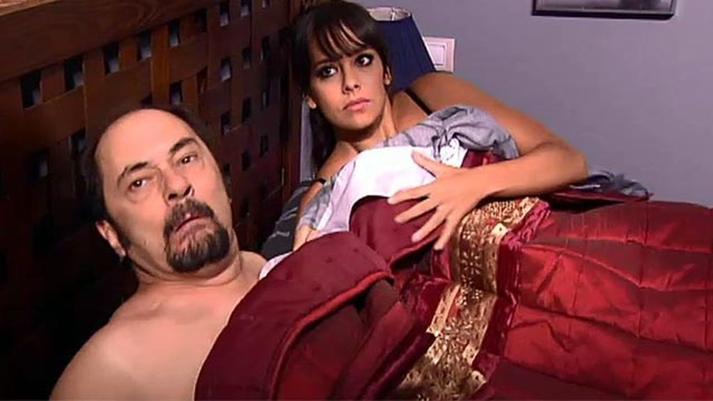 Antonio Recio 'pincha' en la cama...