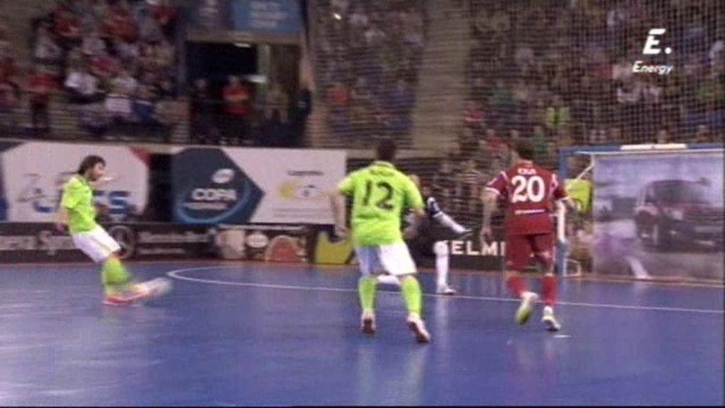 Nano necesita dos intentos desde el doble penalti para adelantar a Inter(3-2)