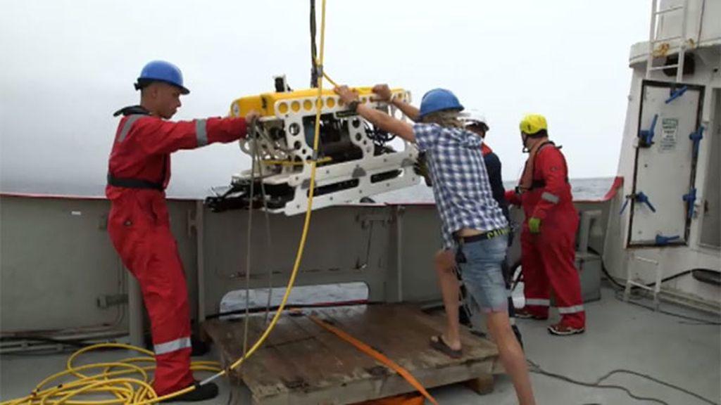 El equipo consiguen grabar con el rov las nuevas torres de basalto descubiertas
