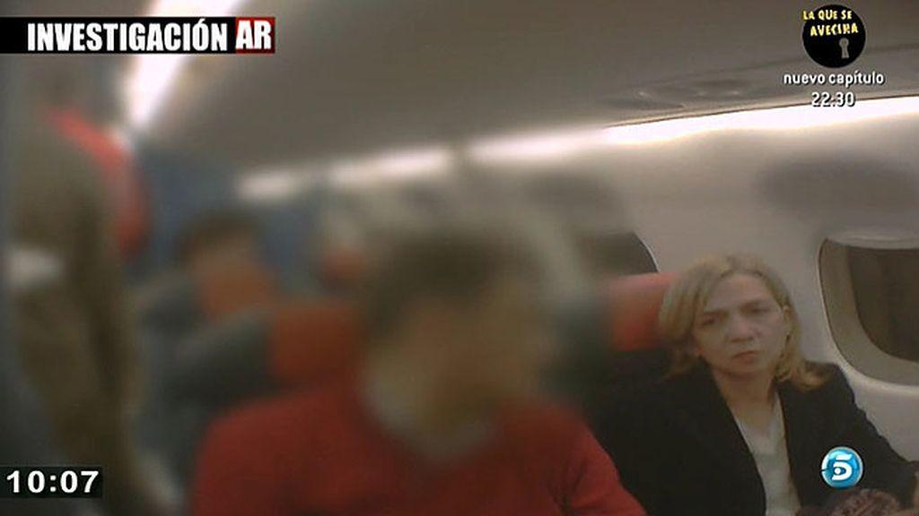 'AR' viaja con la Infanta a Madrid tras su declaración ante el juez Castro