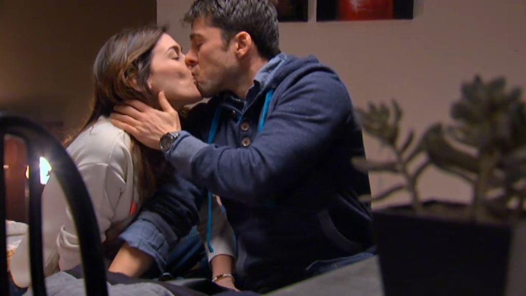 Natalia y Raúl se toman dos copas de más en Huesca… ¡y se enrollan!