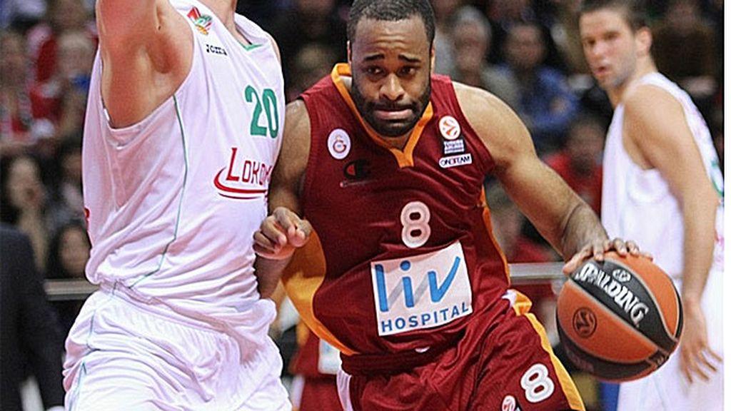 Arroyo salva al Galatasaray en los últimos segundos frente al Lokomotiv (67-66)