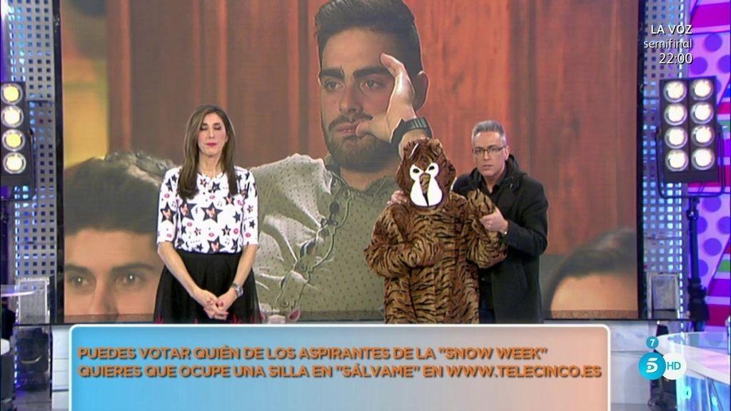 El novio de Jesús Tomillero se disfraza de tigre