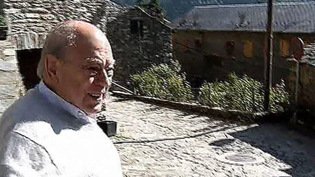 Jordi Pujol reaparece en su residencia de verano