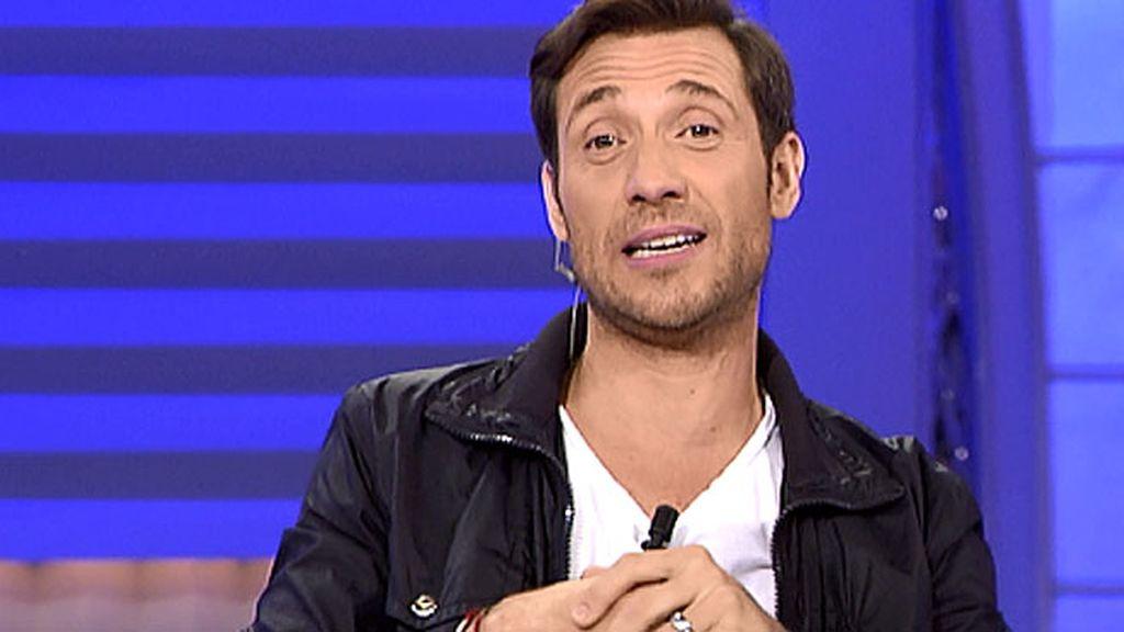 Antonio David tiene mucha gracia contando un chiste de bebés recién nacidos