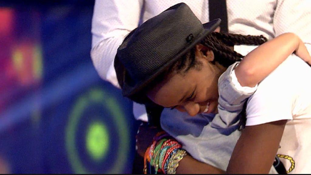 Pablo elige a Kaila como cantante de su pandilla