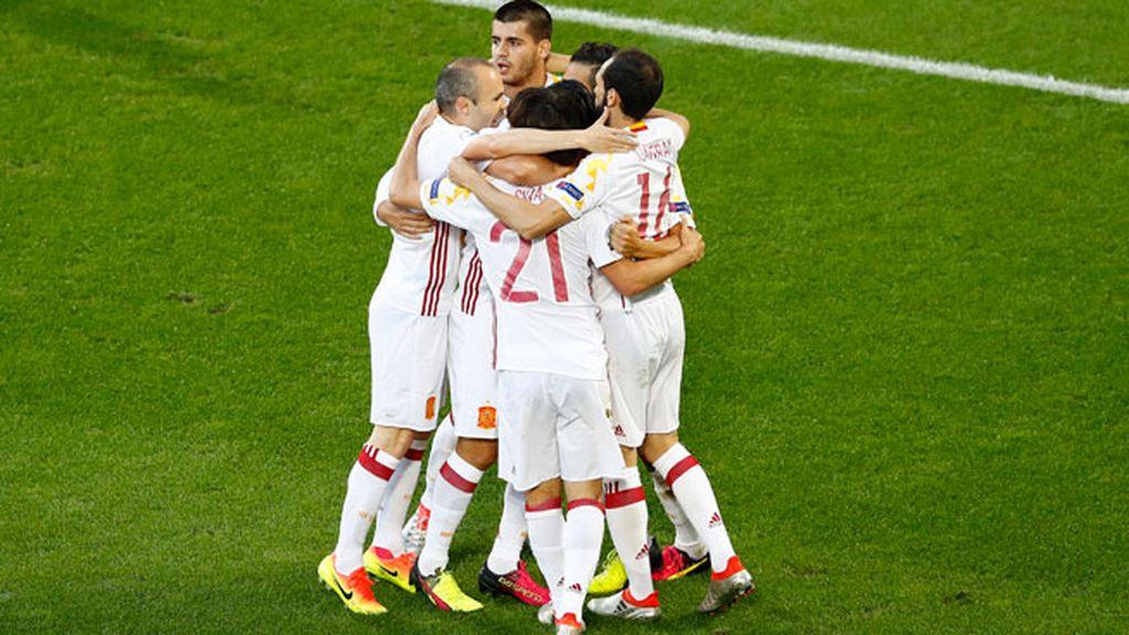 ¡Gol de Morata! Llegó el primero de España gracias a un magnífico pase de Silva (0-1)