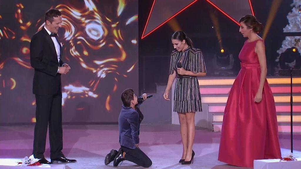 El momentazo de 'La noche en paz': ¡Adrián pide matrimonio a India Martínez!