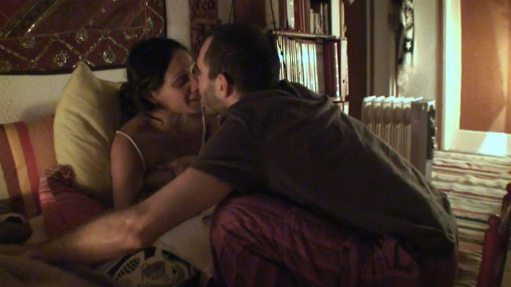 Samanta Villar presencia el nacimiento 'Loto' en el baño de la casa de Shalini