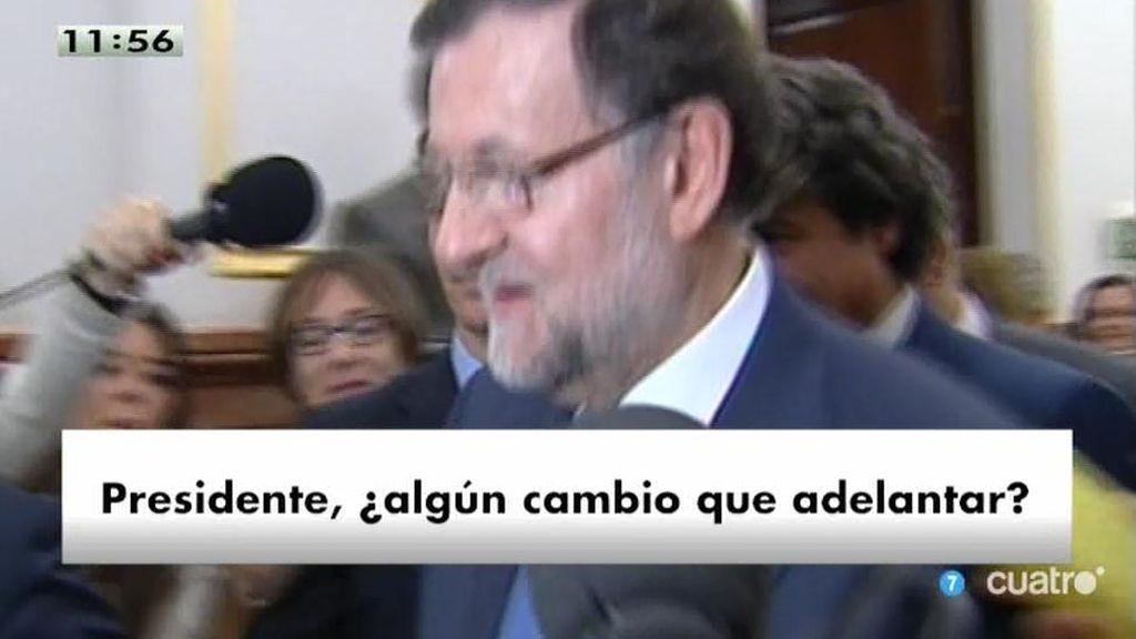 Rajoy abandona el Congreso 'a la carrera' y sin responder a los periodistas