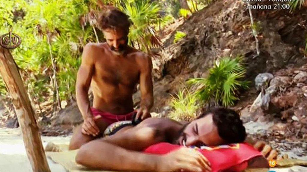 A Suso se le cae la baba con los masajes de Paco