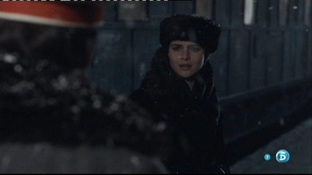 Aleksei Vronsky sigue a Anna Karenina hasta San Petesburgo
