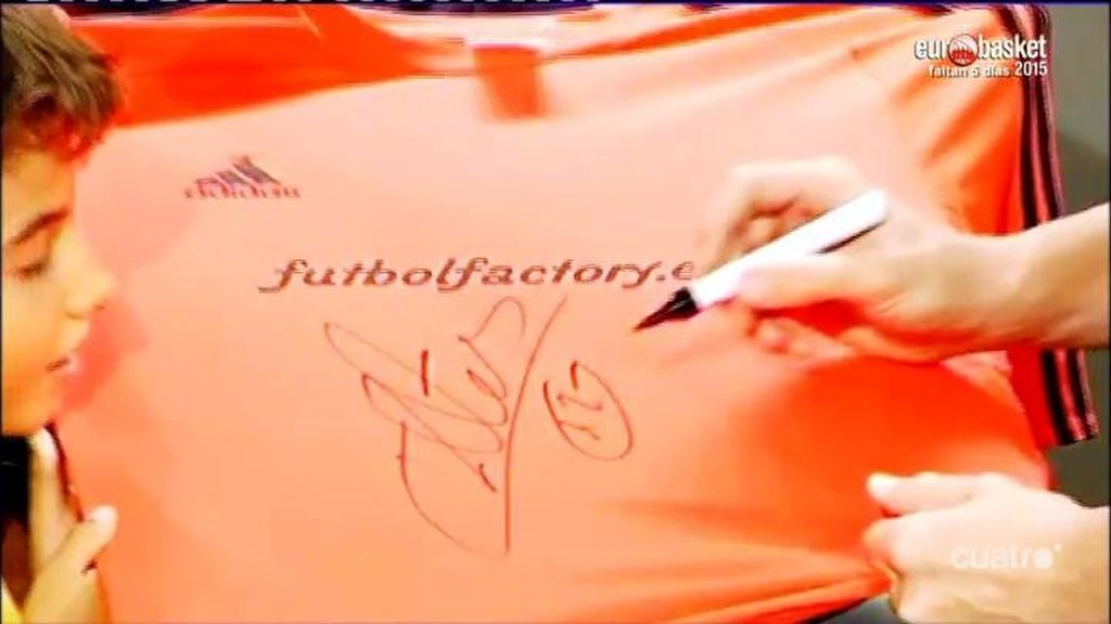 Casillas se olvida del 1 y ya firma las camisetas con el 12 que lleva en el Oporto