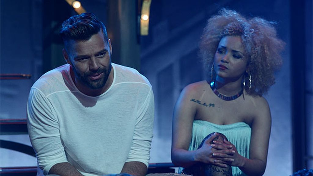 Avance exclusivo: Ricky Martin visita la escuela de 'Dreamland'