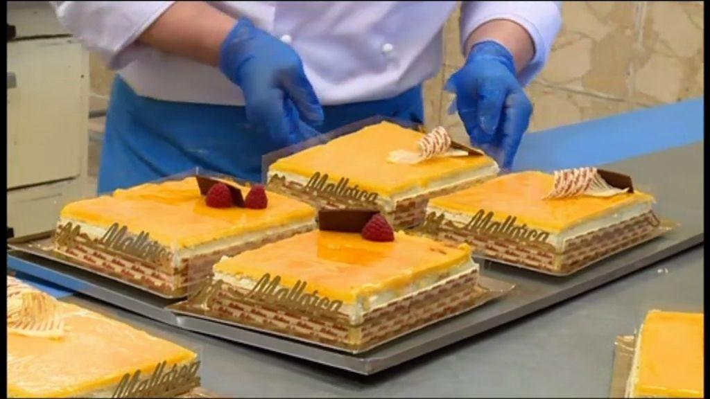 Los aspirantes hacen una tarta 'San Marcos'
