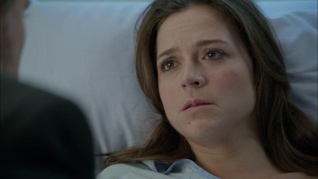 """Pablo, a Clara: """"Dime cuántas pastillas te has tomado. No me mientas"""""""