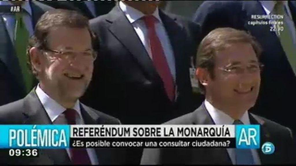 Rajoy agradece la posición del PSOE respecto al referéndum sobre la monarquía