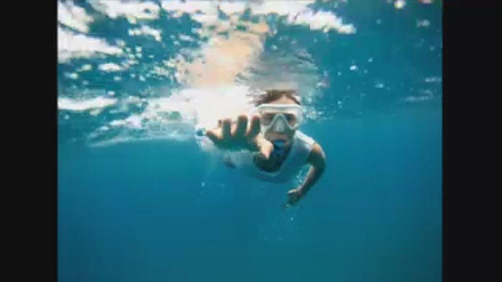 Nadando Noronha