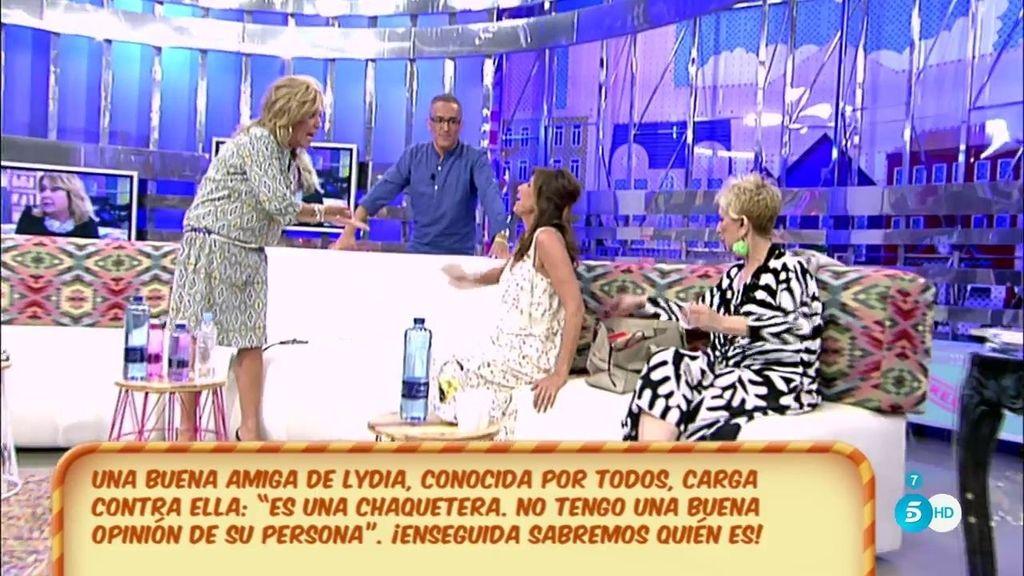 """Lydia Lozano, a Hernández: """"¿Tú te alegras de que una persona me ponga verde?"""""""