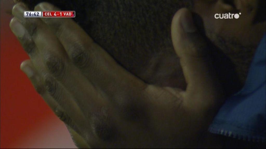 ¡Bergdich rompe a llorar desconsolado en el banquillo del Valladolid tras caer goleado!
