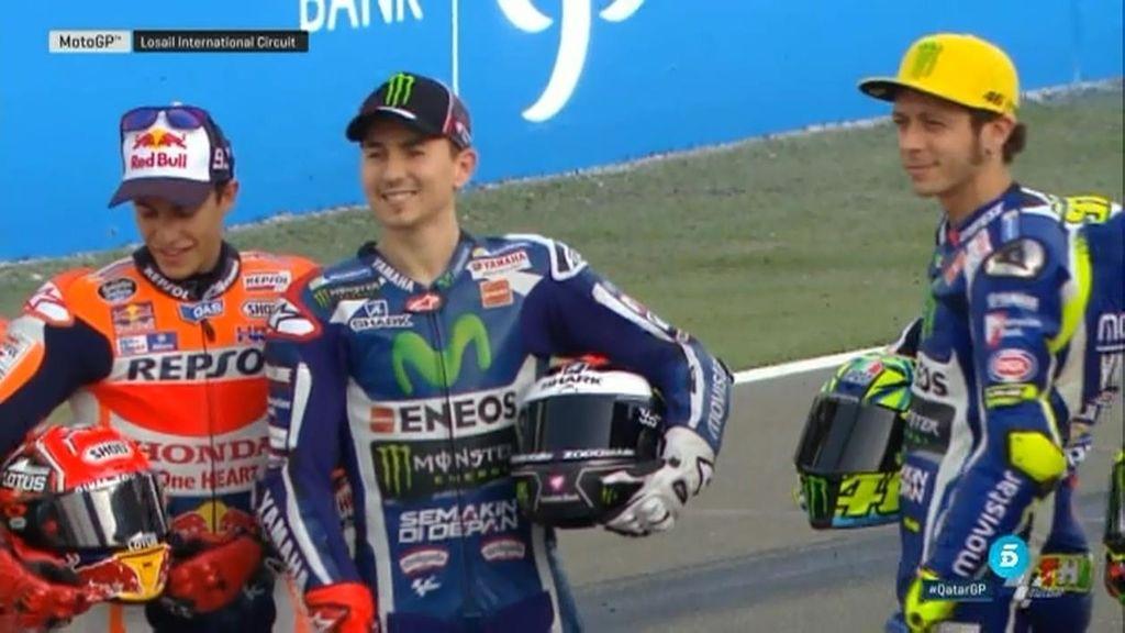 Márquez y Rossi, juntos pero no revueltos: los detalles de la foto oficial de MotoGP