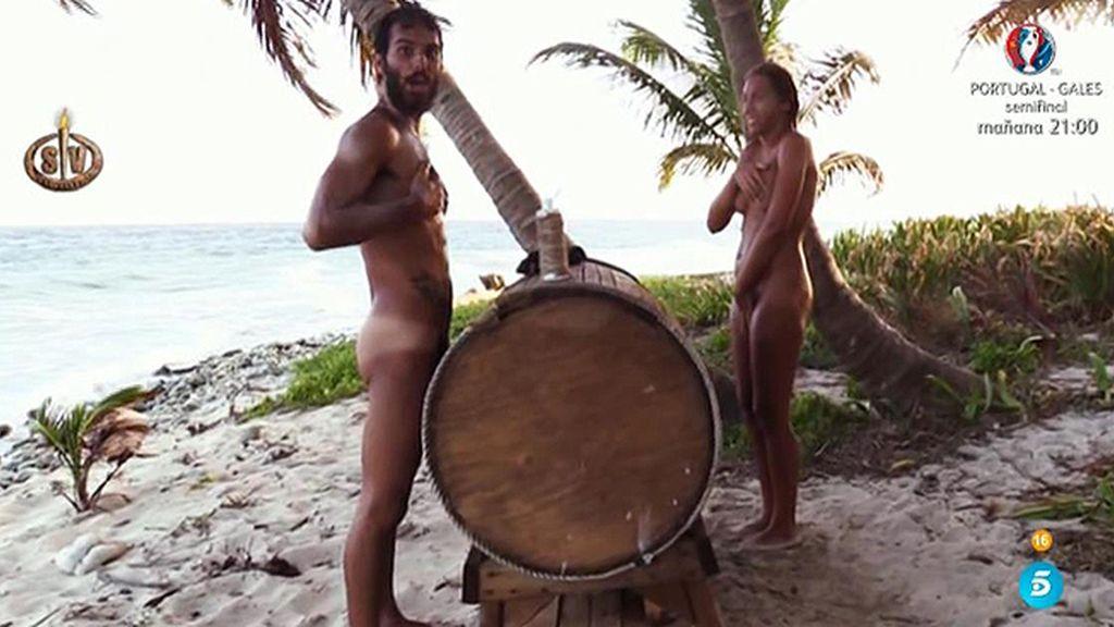 Steisy A Un Suso Desnudo Tienes Ahí El Bigote De Rajoy