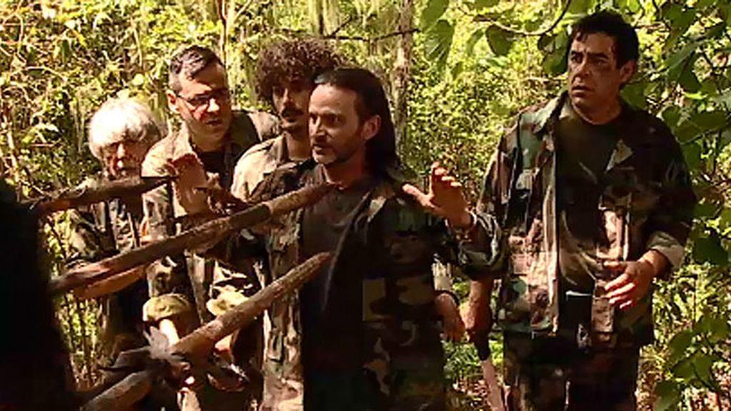 ¡Los Leones, secuestrados por unos indígenas con taparrabos!