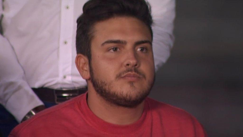 """Borja: """"Vendo condones y zapatillas para pagarme el viaje fin de carrera y el piso"""""""
