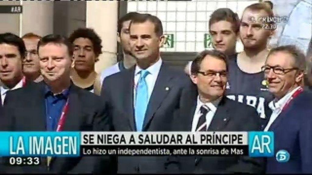 Un empresario catalán se niega a saludar al Príncipe por no dejar votar a los catalanes