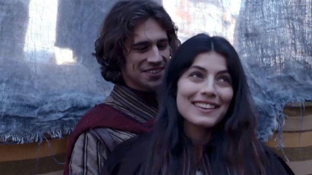 Romeo y Julieta se ven a escondidas