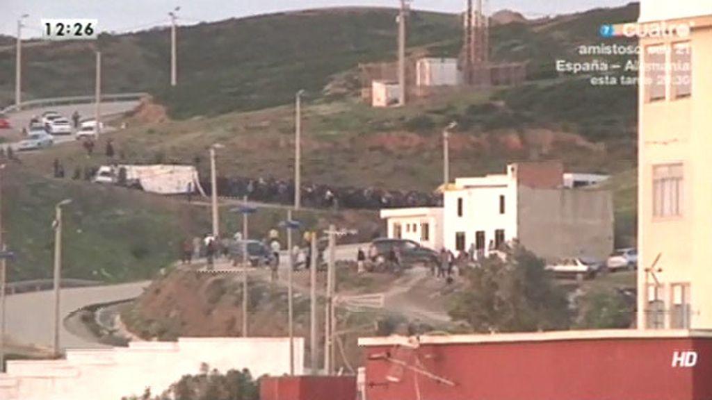 Imágenes en exclusiva: nuevo intento en Ceuta de saltar la valla