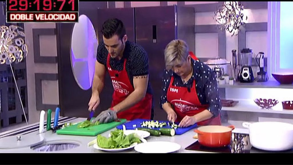La receta de Espe y Rafa: canelones vegetales con salmorejo de espárragos