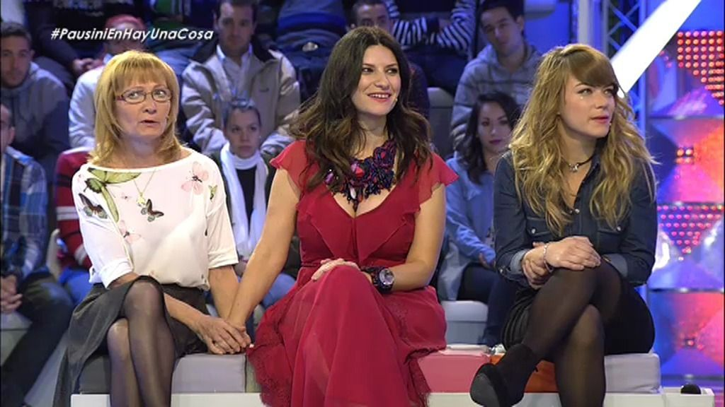 Laura Pausini apoya a la familia de Sara, una chica a punto de cambiar de sexo