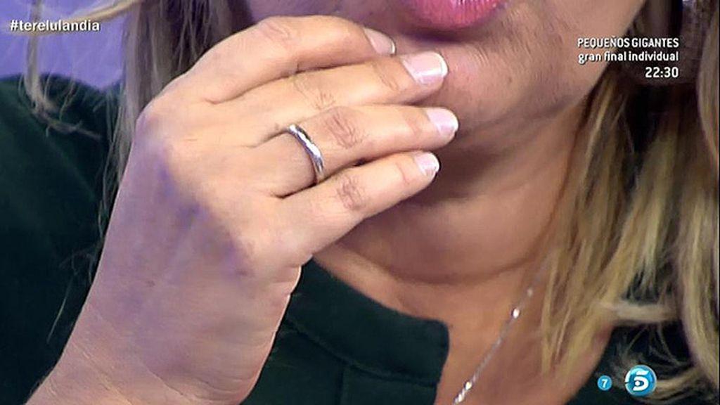 Terelu lleva alianza, pero no piensa en boda