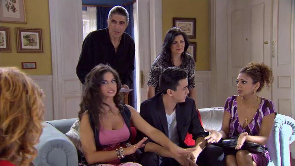 Maruchi y Piluca rechazan una boda gitana