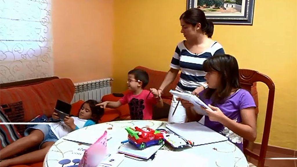 Andrea, Lucía y Nacho traen de cabeza a su madre y sus abuelos